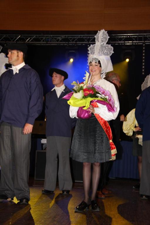 COURONNEMENT DES REINES 2011 056