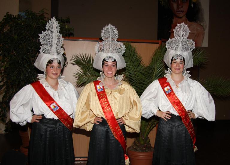 COURONNEMENT DES REINES 2011 088