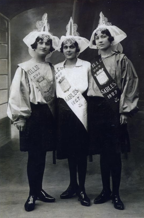 1927  Suzanne Braux - Marcelle Roulleau - Alcida Yvon