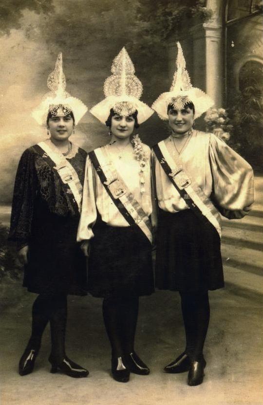 1932 Suzanne Rocheteau - Henriette Gueflet - Augustine Foucaud