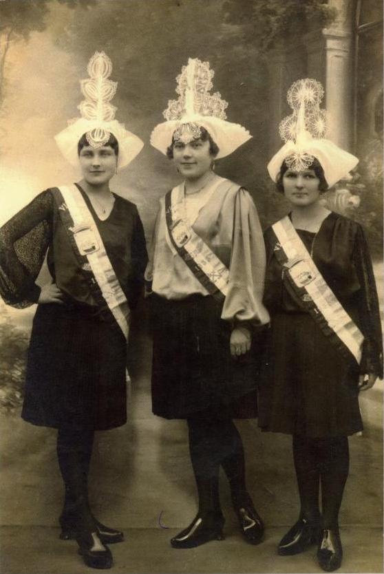 1933 Henriette Bernard - Marcelle Tessier - Marie Gauvrit