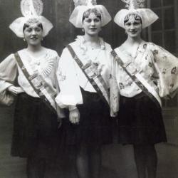 1935 Jeanne Moreau - Lucienne Girard - Renée Gaborit