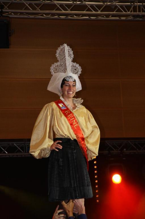 COURONNEMENT DES REINES 2011 079